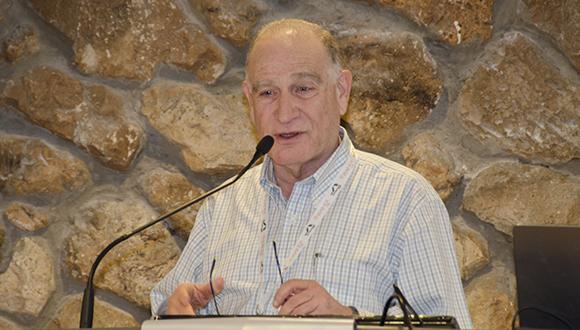 Prof. Yoav. I Henis