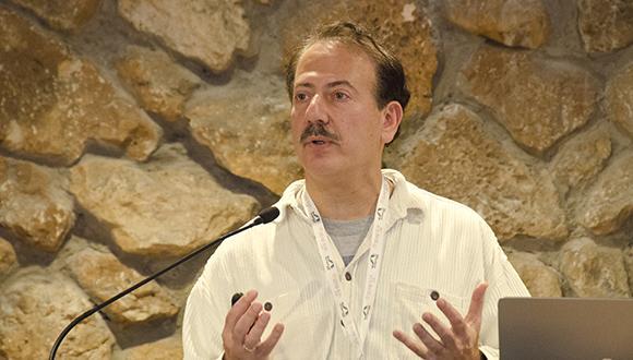 Dr. Eliot Siegel